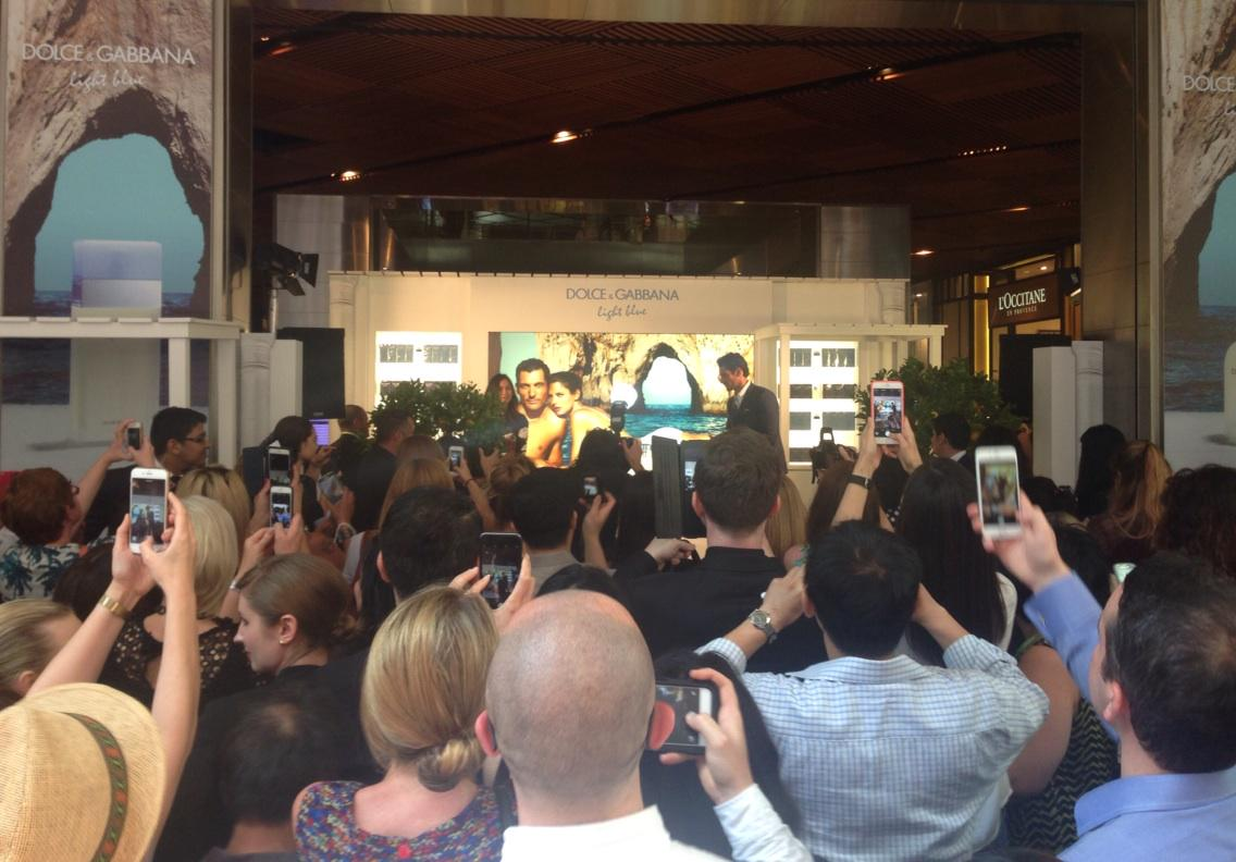 The crowd loving @DGandyOfficial on Pitt Street Mall #DolceEGabbana #LightBlue http://t.co/udnZl48PsF