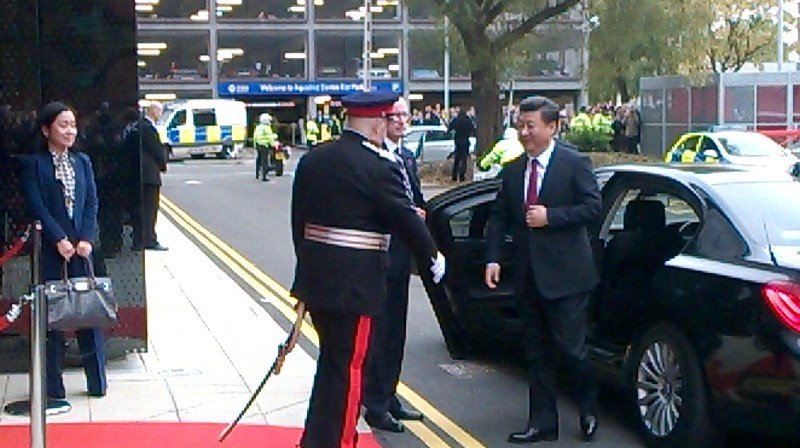 President Xi Jinping arrives @UoMGraphene https://t.co/hp0H0UXmpw