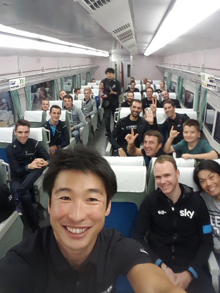 豪華トレイン!!出発進行!  #さいたまクリテリウム https://t.co/Uxoj7nuZ1o