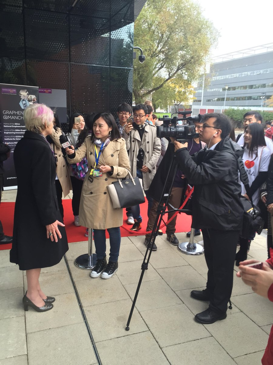 Prof Dame Nancy Rothwell meets Chinese students and media during the visit of President Xi Jinping @UoMGraphene https://t.co/FKbfIquCbG