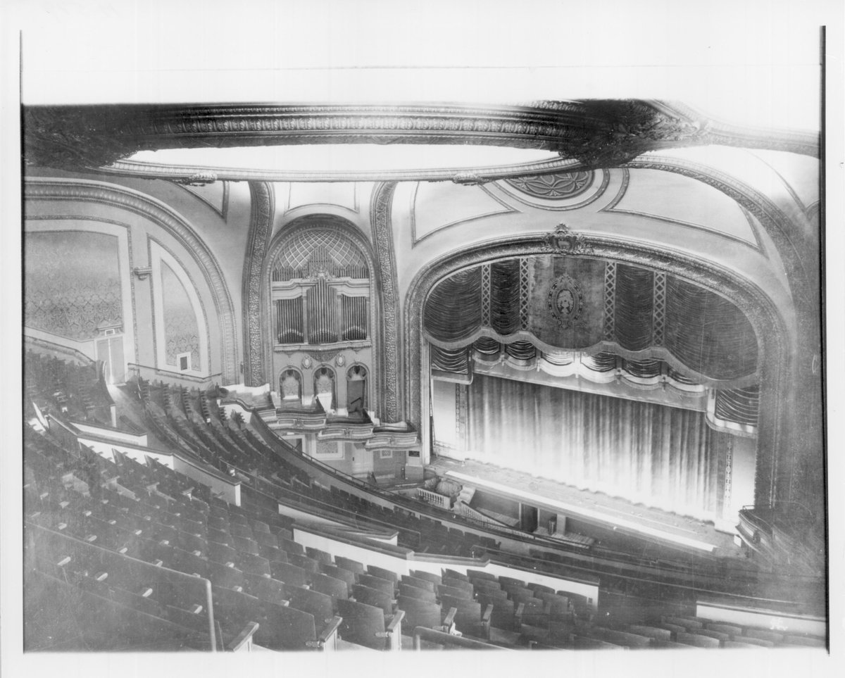 On Oct. 16, 1921 the Orpheum opened its doors! 70K people saw the Marx Brothers perform that first week! #Minneapolis http://t.co/5DQ3hm6Qr5