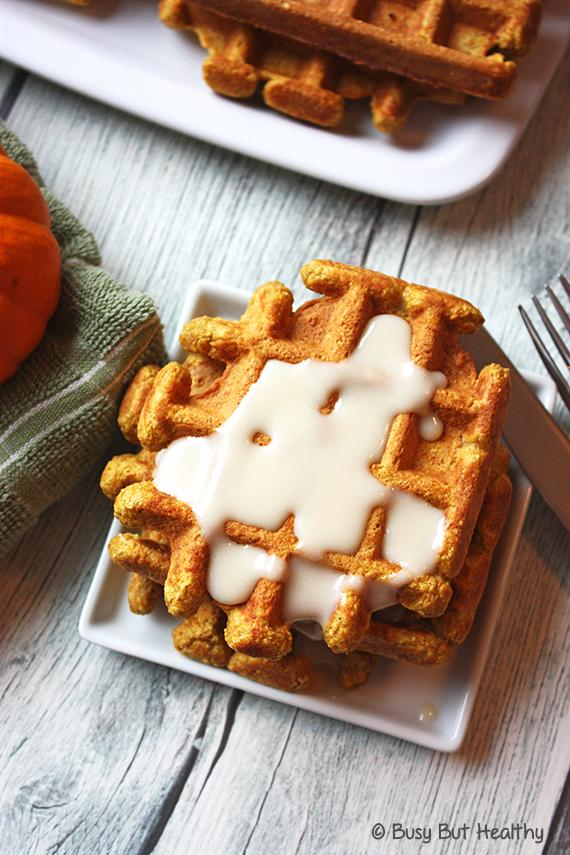 Want something delicious? Pumpkin Spice Whey Protein Waffles! w/ @daiyafoods cream cheese. http://t.co/EC0WDVvirX http://t.co/C8LONG0TXN