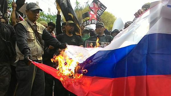 Перемирие на Донбассе сохраняется. Много боевиков пытаются избавиться от оружия и боеприпасов, - пресс-центр АТО - Цензор.НЕТ 8995
