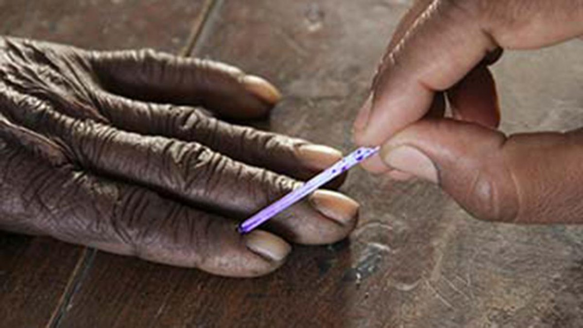 Bihar elections second phase: Defying Maoists, 55 % voter turnout recorded http://t.co/a4kj7o0UKy http://t.co/NiFU8ab5hH""