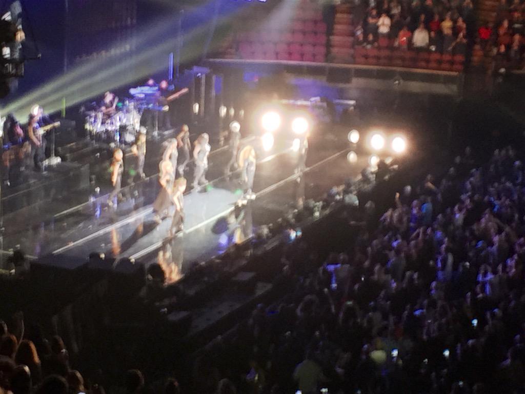 This @JanetJackson concert tonight tho!!! @theforum #UnbreakableLosAngeles http://t.co/EeXSjCiu8S