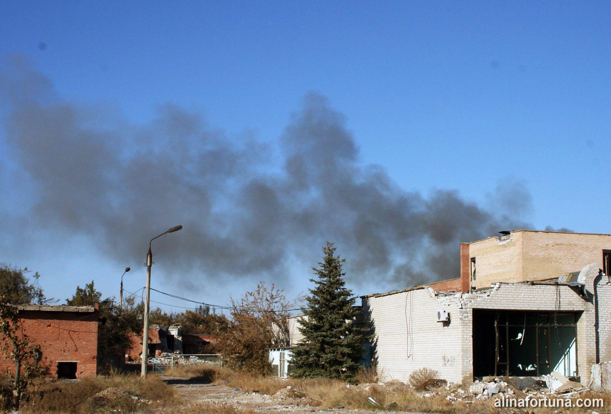 Перемирие на Донбассе сохраняется. Много боевиков пытаются избавиться от оружия и боеприпасов, - пресс-центр АТО - Цензор.НЕТ 3245