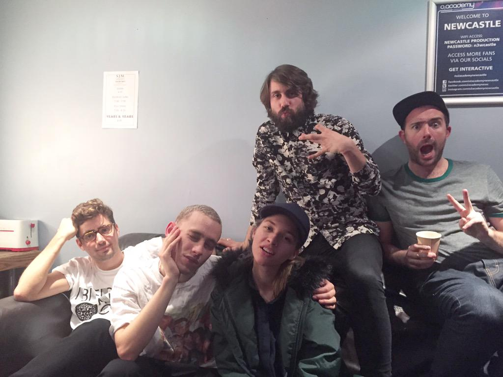 Only three shows left (Glasgow, Manchester, London). Gonna miss touring with this fabulous band