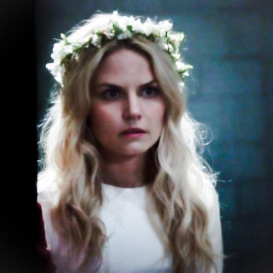 Don't forget there is an all new #onceuponatime this Sunday. More #darkswan more #FightingTheDarknessInSwan