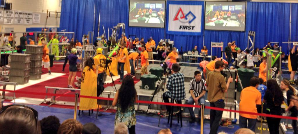 SWAG is setting up for its second match! #omgrobots http://t.co/Nnw6koIwcA