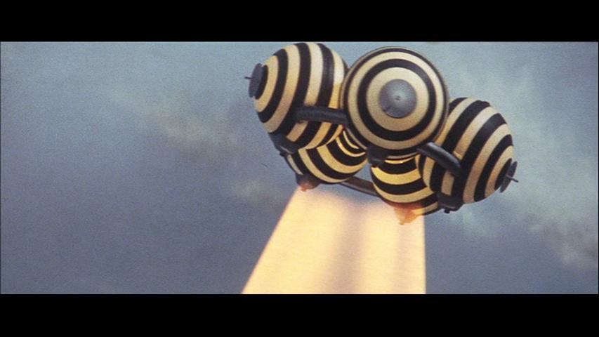I'm loving the alien ship design in #gameravsviras Reminds me of Chris Foss' work. #gamera #dune
