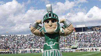 Game Time! #msu #SpartanDawgs @IamSedrickIrvin @CoopspartanDog @Mateen_Cleaves @plaxicoburress @mopete24 http://t.co/8SmQnEZqL7