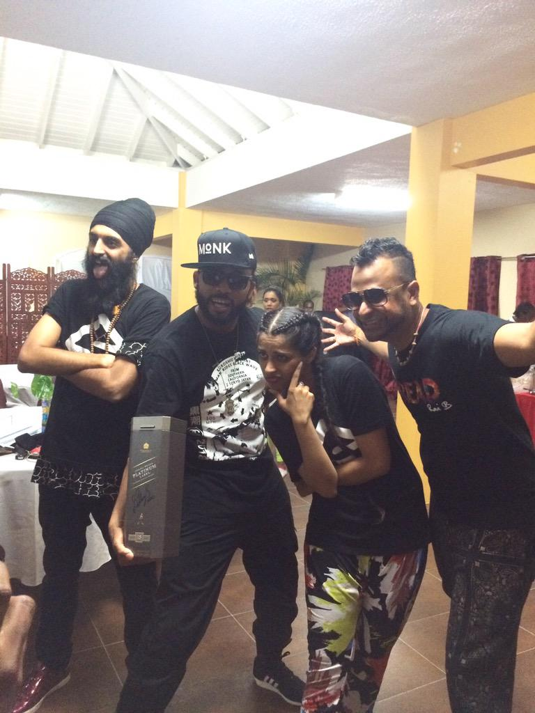 Thank you @IISuperwomanII for having us. It was amazing tonight. @humblethepoet @machelmontano http://t.co/n9eWQRr2l3