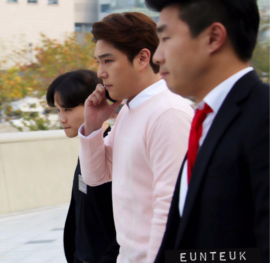 151018 Kangin leaving DDP #seoulfashionweek #서울패션위크 http://t.co/iX0ENmfc9Y