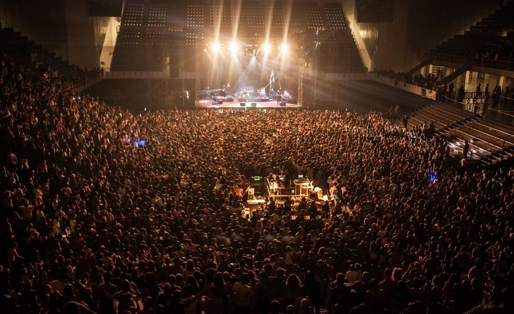 Hoy solo podemos decir desde lo más profundo de nuestro corazón ¡¡¡¡ GRACIAS !!!! #Hastalavistatour http://t.co/ycuxSqh0V6
