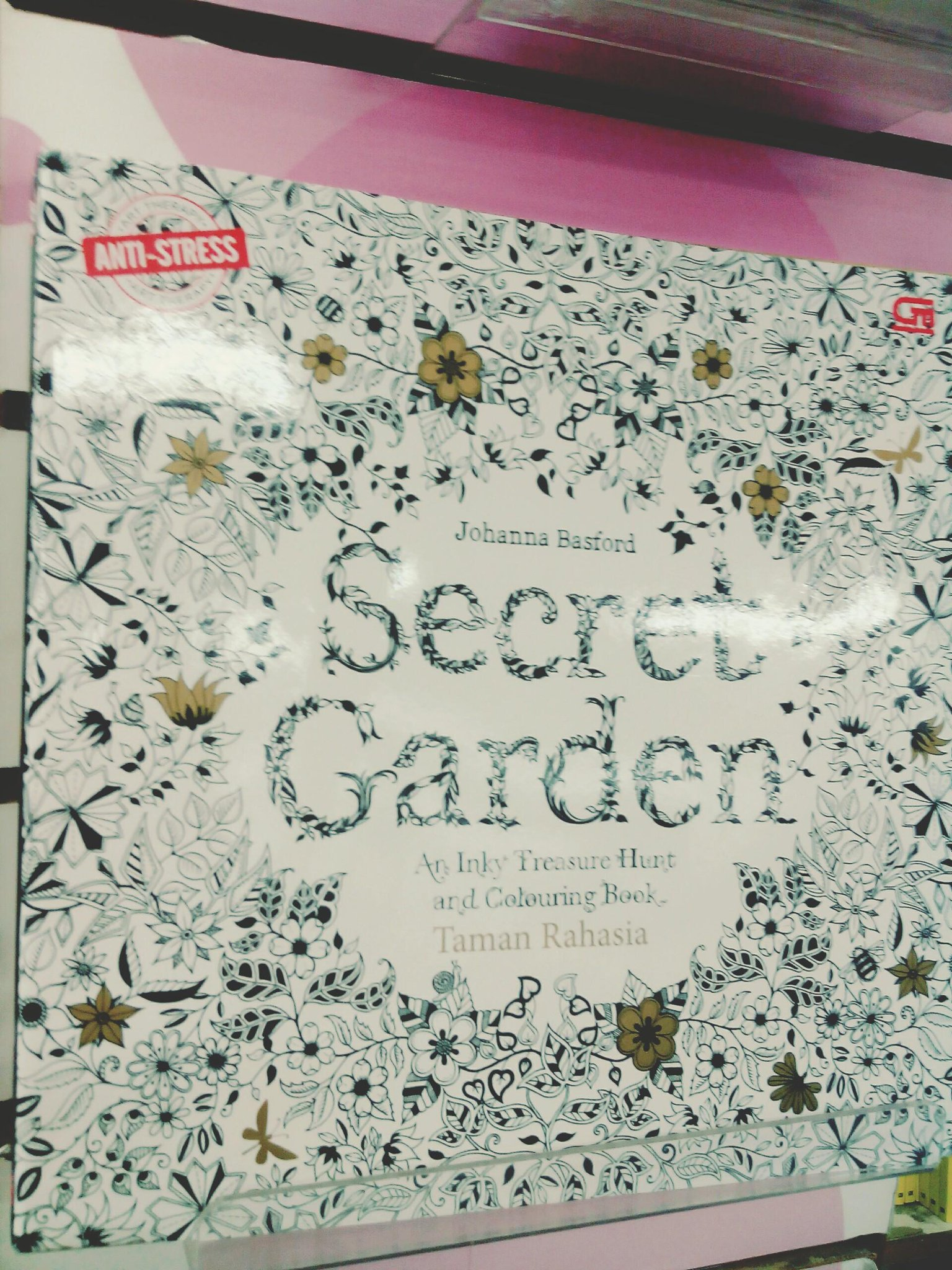 Gramedia Samarinda On Twitter Coloring Book SECRET GARDEN An Inky Treasure Hunt And Colouring Tco U1i5vlZpDE