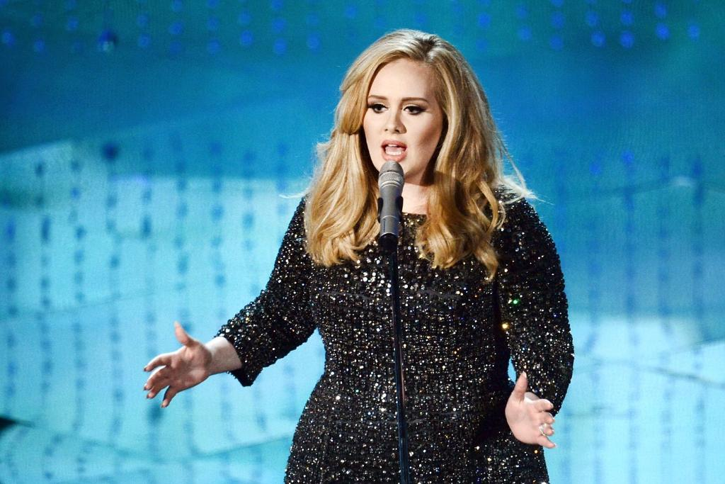 Finally, Adele is back! Here's the first peek of her new album: http://t.co/n2VnvfHpFz #XFactor http://t.co/UwFjU63hhb