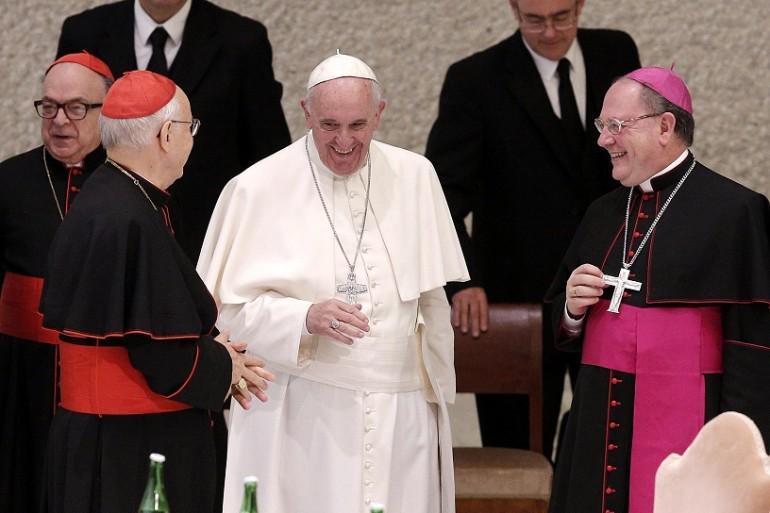 Papa Francesco malato di un tumore al cervello, o forse no