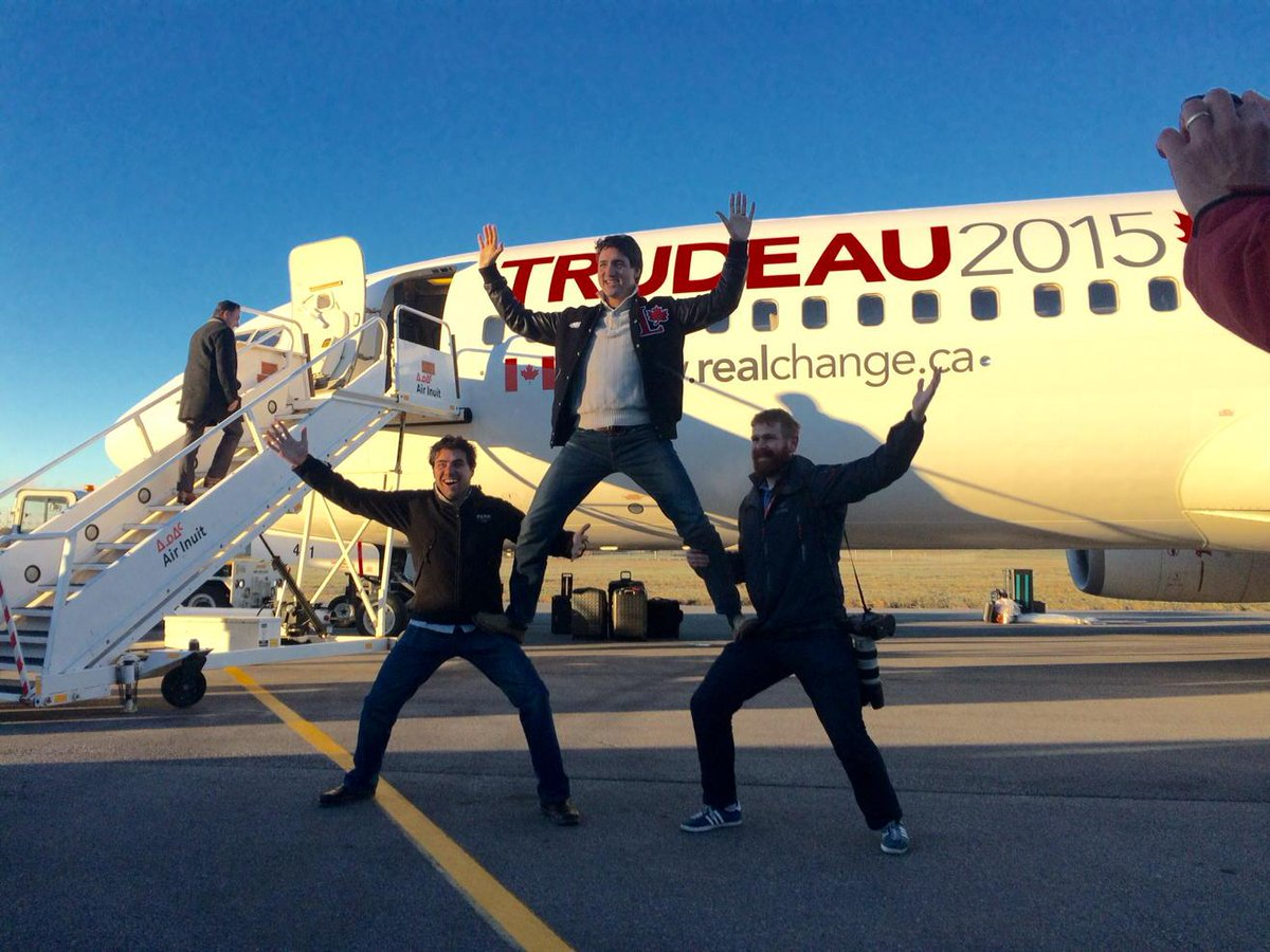 Liberal Leader Justin Trudeau just landed in Montreal for election day. #cdnpoli #elxn42