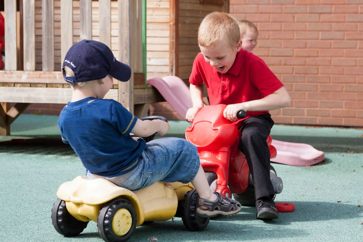 Funding cut for 2,300 children's centres https://t.co/mwzjKGYFkb https://t.co/H1IvAZnILk