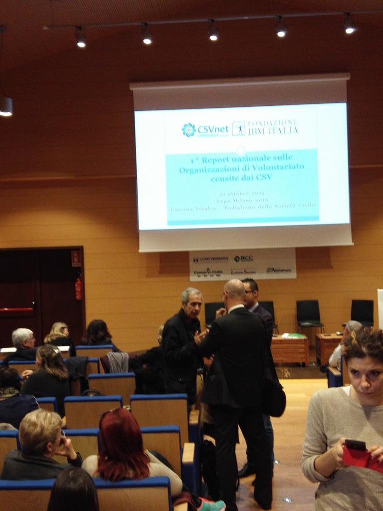 @CSVnet e @FondazioneIBM stanno per iniziare i lavori di #odvreport qui a #expo2015. http://t.co/QKIwaneeDY