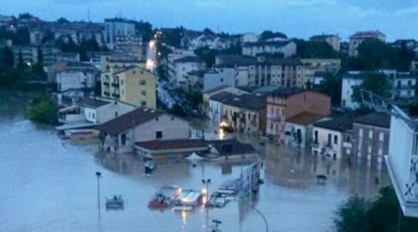 Maltempo Molise: Benevento evacuata per l'esondazione del Tammaro