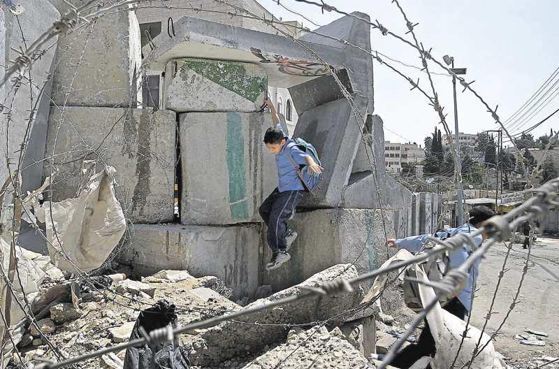 Les murs ne sont pas une solution, ni à Jérusalem ni en Hongrie - par Dominique Moïsi >> http://t.co/Pkga2D27ME