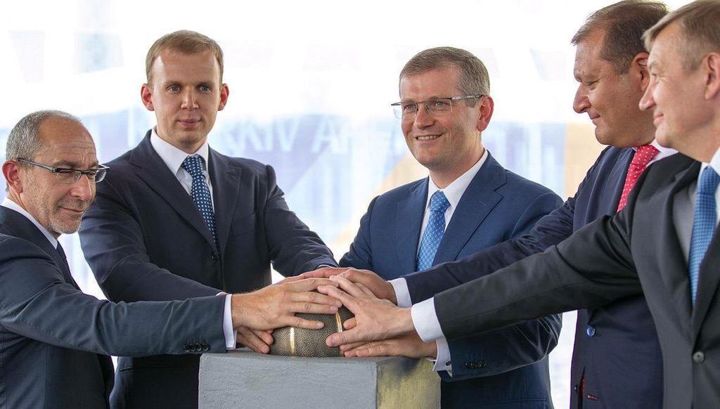 Все депутатские запросы начинают публиковаться на сайте Рады с 19 октября, - Гройсман - Цензор.НЕТ 158