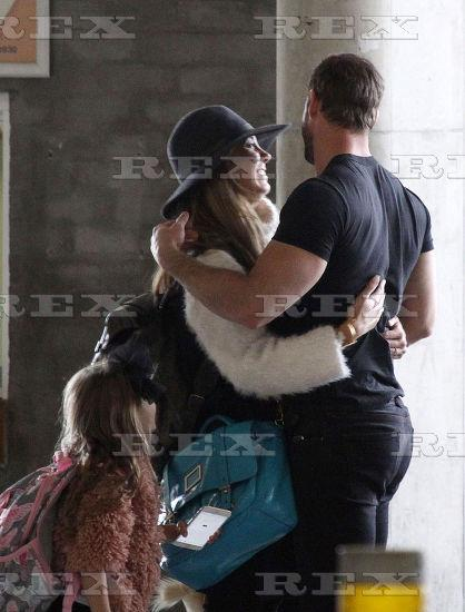 #Photo #7 Elizabeth Gutierrez @Elygutierrez19 and William Levy @willylevy29 at #CapeTown airport,14 October 2015 http://t.co/L1z4LtgICk
