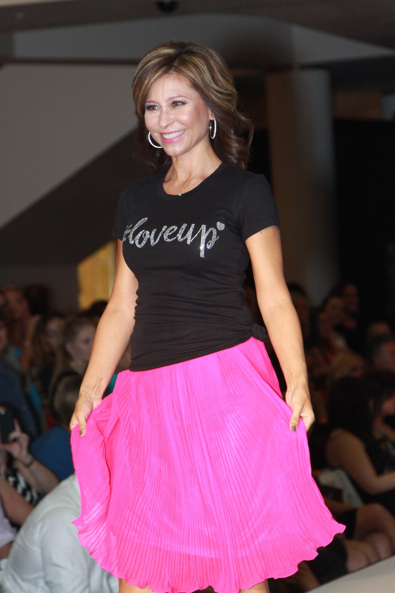 Runway pic from @johnjayandrich #LoveUp Fashion Show. Vertically challenged but can still have fun 4 a good cause :D https://t.co/iLiI7eevqw