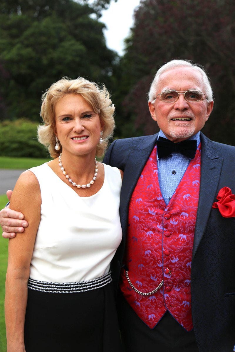 Dan Peña with gracious, Wife Sally Hall
