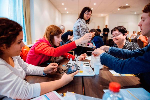 Este fin de semana, congreso #ScientixSpain en #Madrid. ¡Presentaremos KitCaixa Curiosity! https://t.co/t71IHuQH7P https://t.co/iVdL334emh