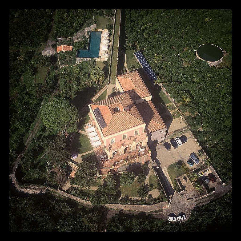 """Heli view"" This is what your very own private #hilltop #hideaway #villa looks like from a… https://t.co/knqBAAkOJs"