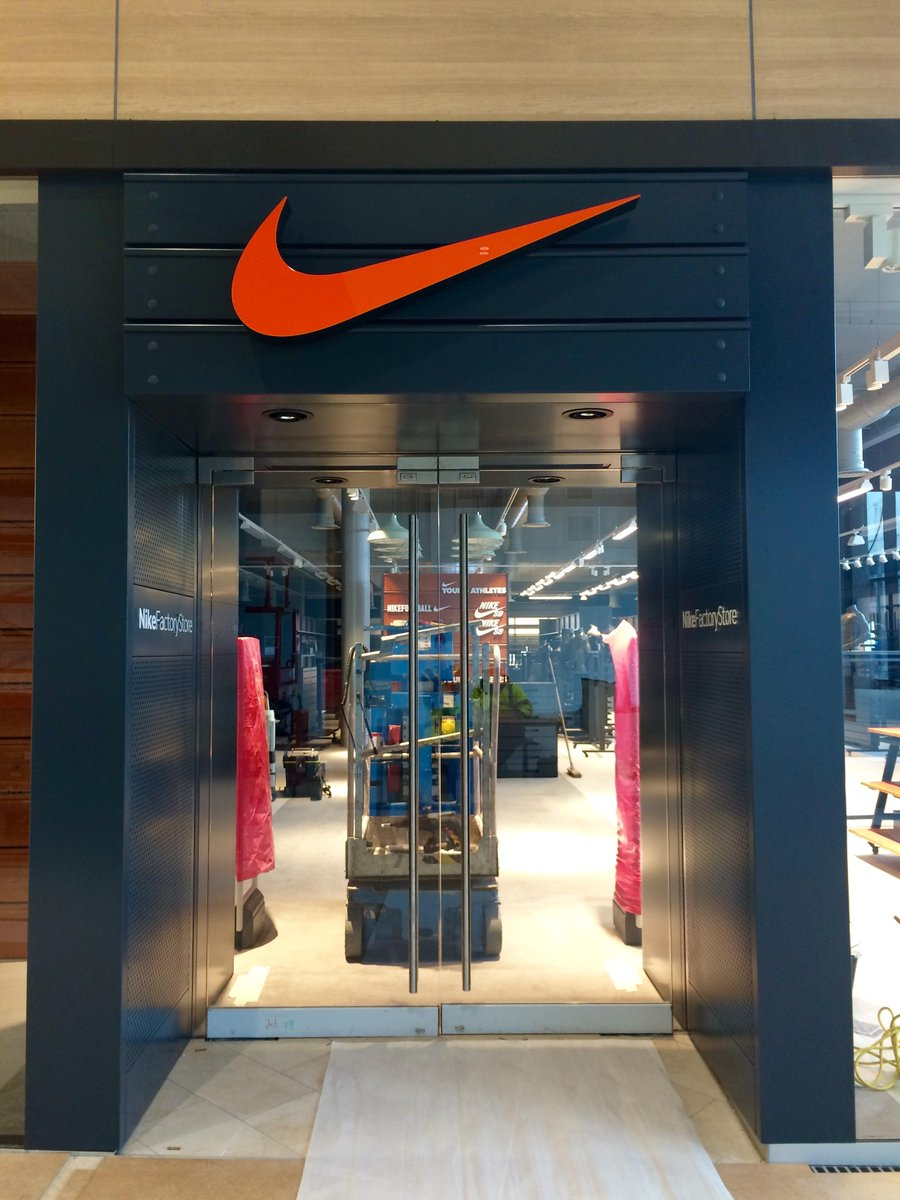Resorts World on Twitter \ Our 3rd anchor store opens its doors tomorrow\u2026 who\u0027s excited for Nike Factory Store at Resorts World Birmingham?! ... & Resorts World on Twitter: \