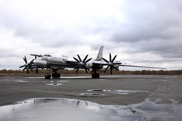 "Tu-95MS ""Bear"" - Page 2 CRxiA5DXAAAdCAw"