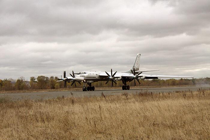 "Tu-95MS ""Bear"" - Page 2 CRxiA5IWwAANPjR"