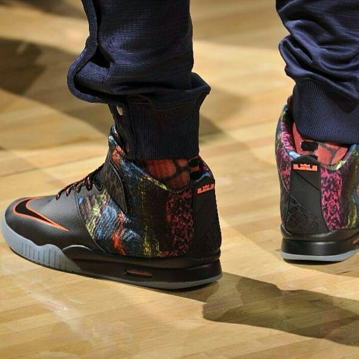 f8349c4e644 kingjames debuted a new colorway of the Air LeBron Akronite yesterday. What  do you think? (Via @aaronknows)pic.twitter.com/btccf3hmfI