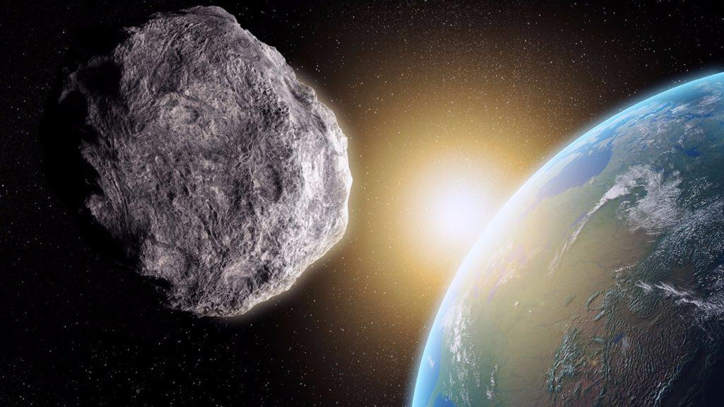 """100 anni di rischio impatto Asteroidi con la Terra, il 31 ottobre passa """"Asteroide 2015 TB145"""""""