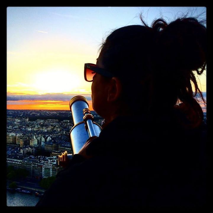 Loving this picture of Genie taking in Paris's beauty! #gorgeousview #myniece #familyvacation #Paris #iconicparis #… pic.twitter.com/FK8zdPdwrB