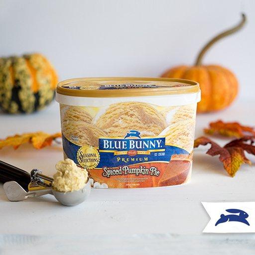 Seasonal Spotlight: Spiced Pumpkin Pie—Pumpkin IC w/ swirls of marshmallow & graham crust. Find it in select stores! https://t.co/7KMoQ16KTp