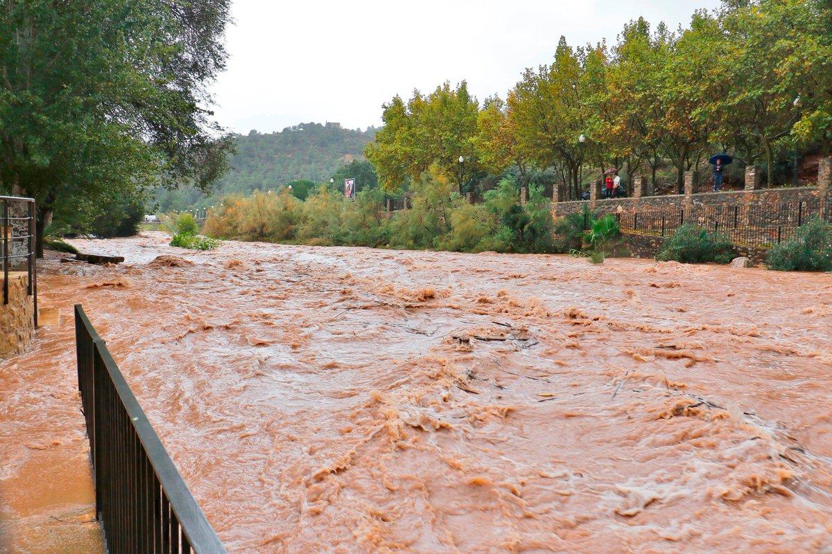 #oratgecv pluges de més de 150 l/m2 , atenció a barrancs i zones inundables, Riu Belcaire (Vall d'Uixó,V.Talamantes) https://t.co/Tw22dMec1q