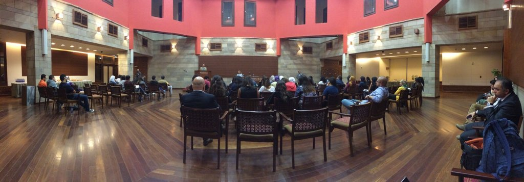 A panoramic scenery of the lecture in The Moataz El Alfi Hall. #AUC https://t.co/icTyIUNCzm