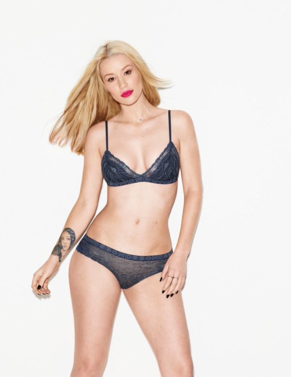 Iggy Top Model >> Photoshoots y carrera como modelo - Página 4 CS3Lt3YWUAAKkVf