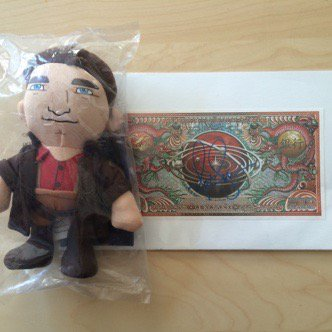 We're auctioning a @NathanFillion  signed Alliance bill & Mal plushie  on Nov 8! Help us spread the word. #Firefly https://t.co/sQNzYE07CP