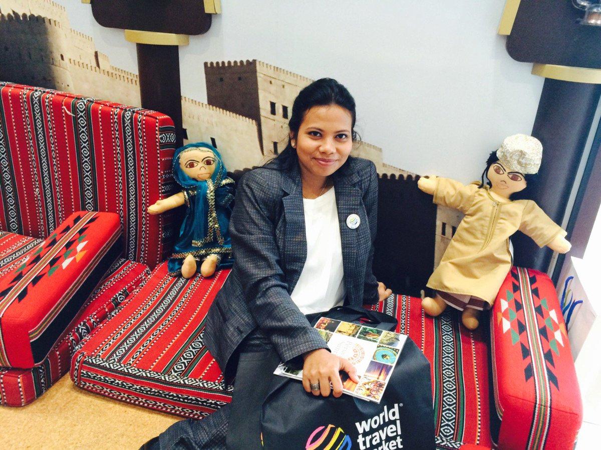 Oman_Tourism_UK: RT GeminiTours1: Selfie with Jamil and Jamila Oman_Tourism_UK#OmaniDolls https://t.co/CE0UKza1Hc https://t.co/G4uhsUWqZi
