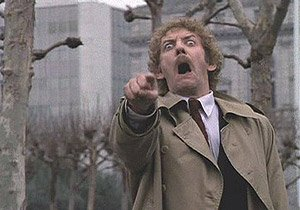 BREAKING: Twitter to replace Retweet icon with picture of Donald Sutherland https://t.co/rms4r13HG8