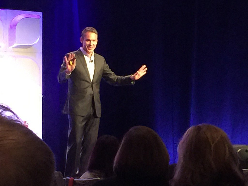 "Marcus Buckingham sharing ""What the World's Best Managers Do Differently"" at Achievers ACE event. #AACE15 https://t.co/jL4e892GgJ"