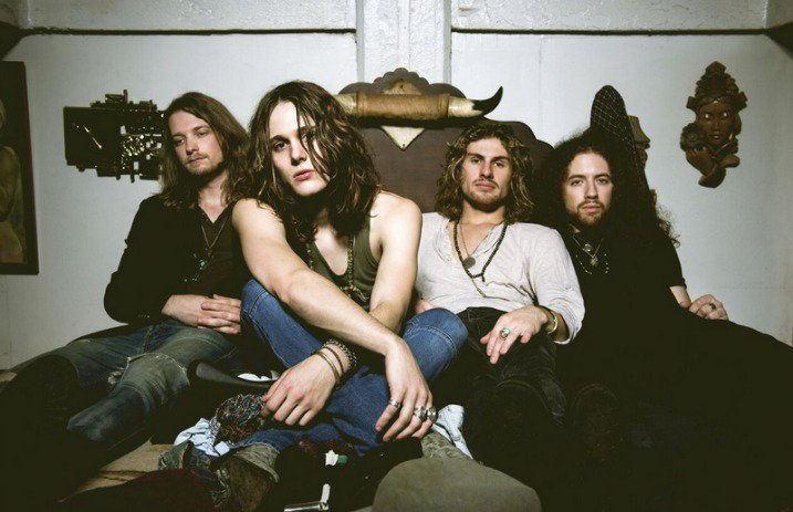 Vote for @TBSHAKEDOWN in @Loudwire's #BattleRoyale poll! Vote once an hour all week long!  https://t.co/rJwyS4Md3W