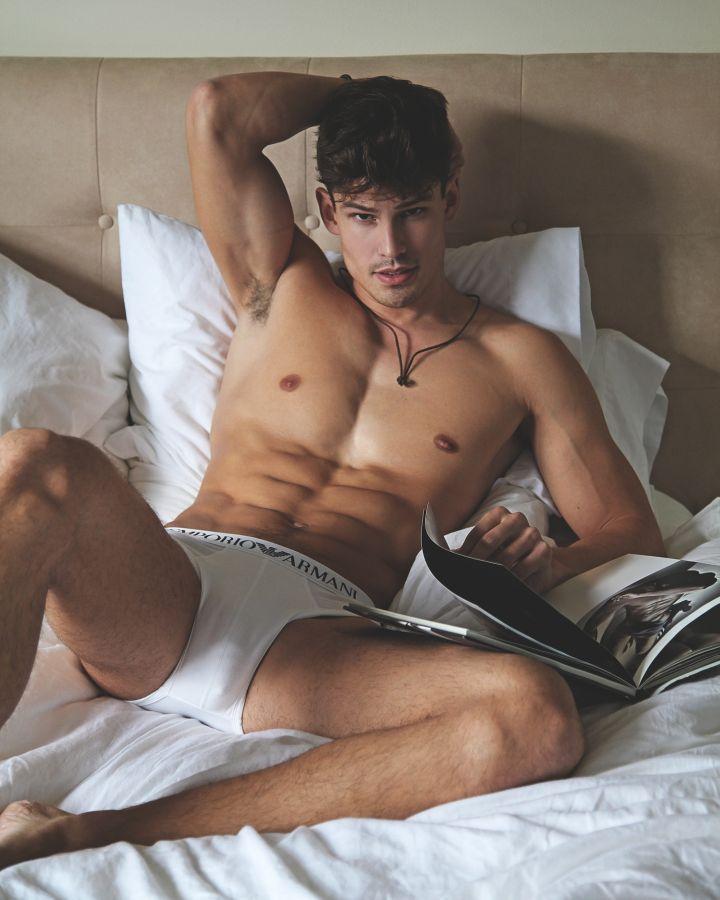 Stockbar majority valuable male strippers in canada