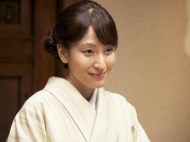 和服を着ている鈴木杏樹