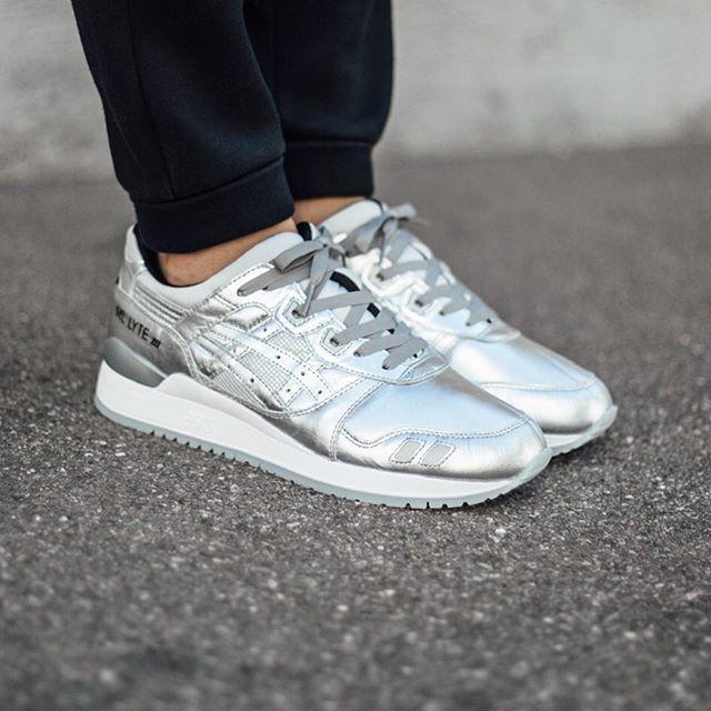 asics gel lyte iii metallic silver